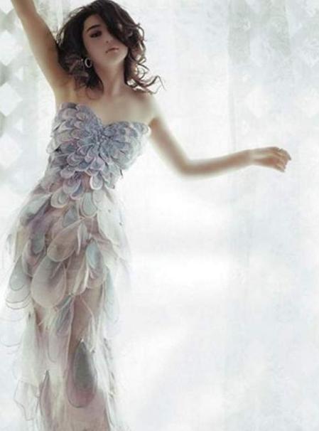 ... Sie sich auf außergewöhnliche Lacy Brautkleider für Ihre Hochzeit